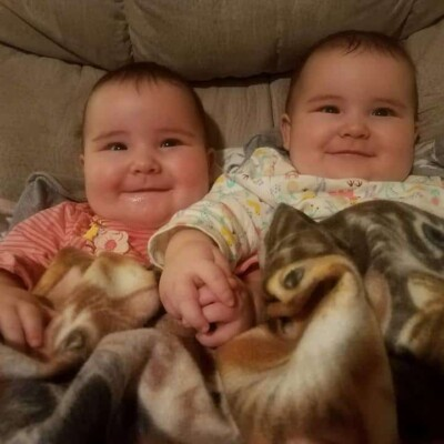 What to Expect when Raising Twins – and how it's AWESOME Compared to a Singleton!