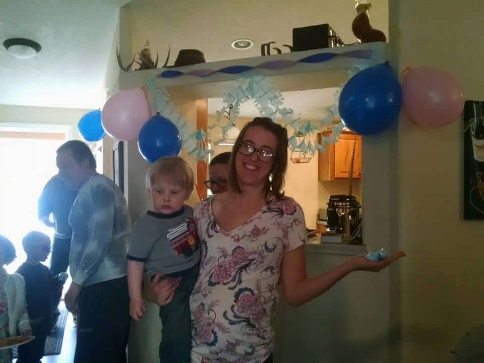 Twin gender reveal ideas! Balloons and a cake with little shoes
