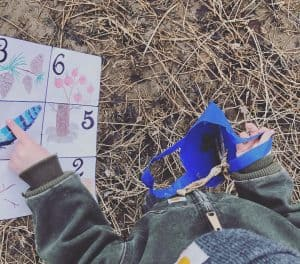 Hiking with toddlers idea; scavenger hunt