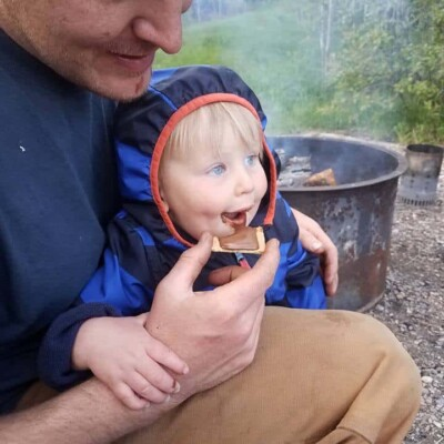 food to bring when camping with kids - smores!