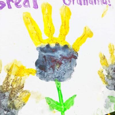 DIY Cute Sunflower Handprint Craft for Kids (Great Gift for Mom or Grandma!)