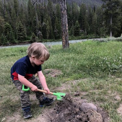 11 Easy Camping Activities for Toddlers and Babies to do Around Camp! (that are fun!)