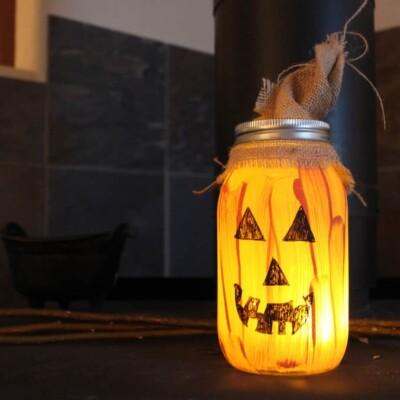Cute and Easy Mason Jar Pumpkin Craft Decoration