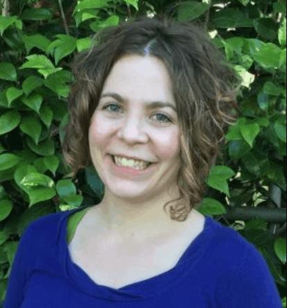 """<a href=""""https://www.worthwritingfor.com/"""">Elizabeth Voyles</a>"""