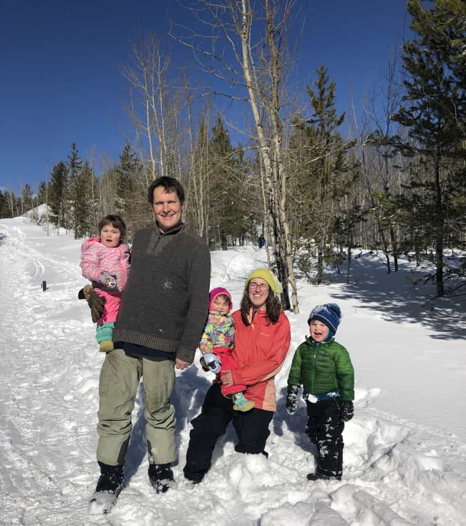 how to fhave fun during winter with family